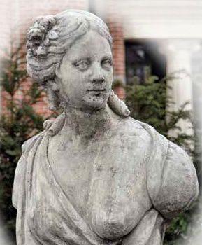 Borstbeeld vrouw 78cm