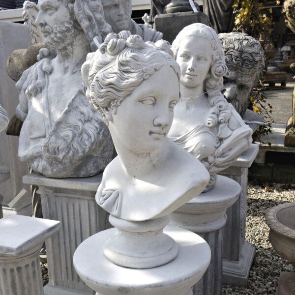 Borstbeeld vrouw 50cm