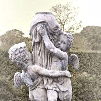 Engel twee jongens groot met bol