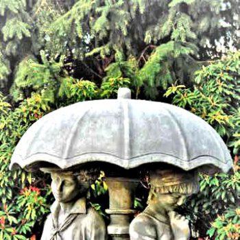 Koppel onder paraplu