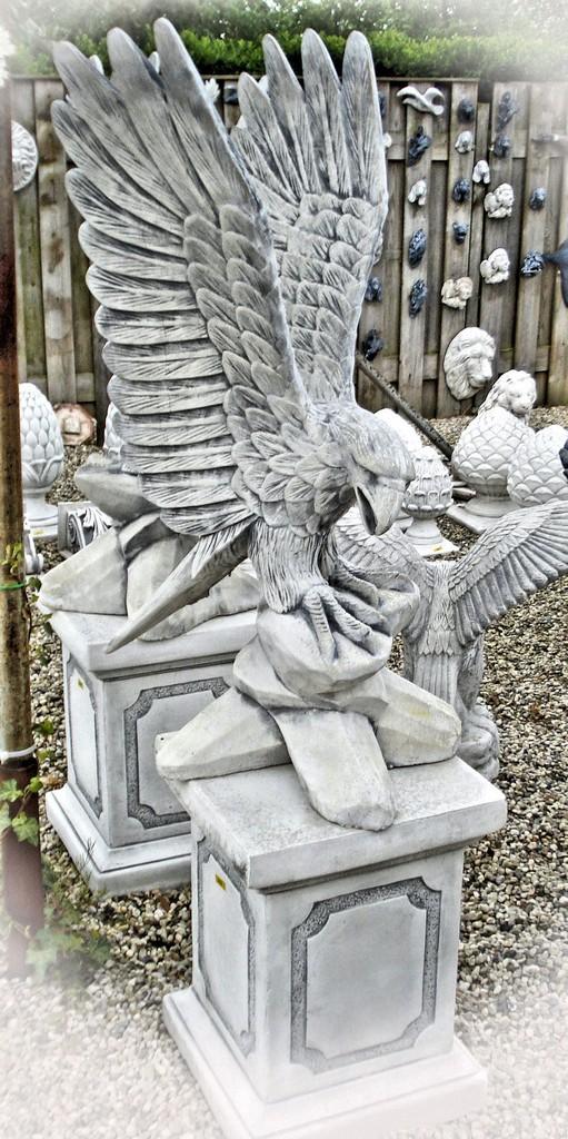 Adelaar met vleugels omhoog 91cm