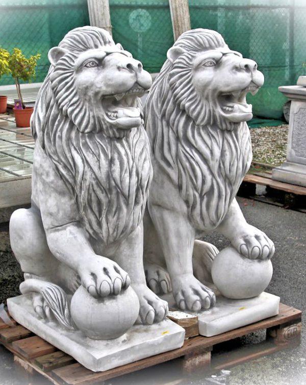 Leeuw zittend 130cm