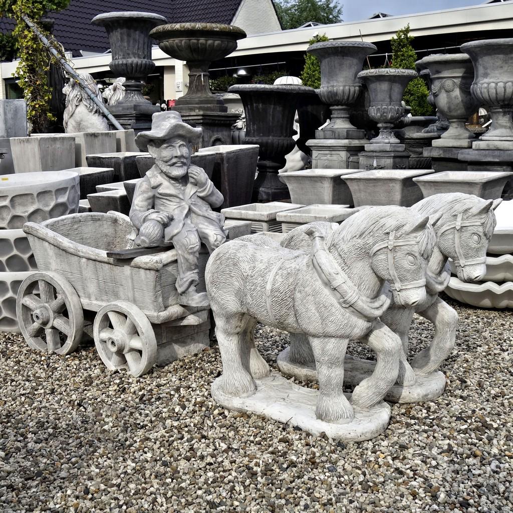 Paard En Wagen Beton.Paard En Wagen Groot
