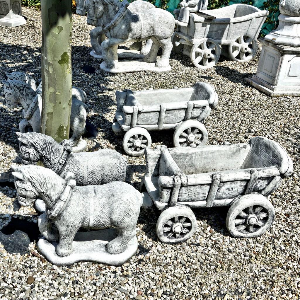 Paard En Wagen Beton.Paard En Wagen Klein