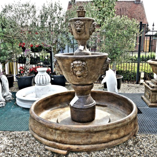 Medium Two Tier Leonesco Fountain In Grando Pool