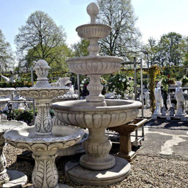 3 Schalen met bol fontein