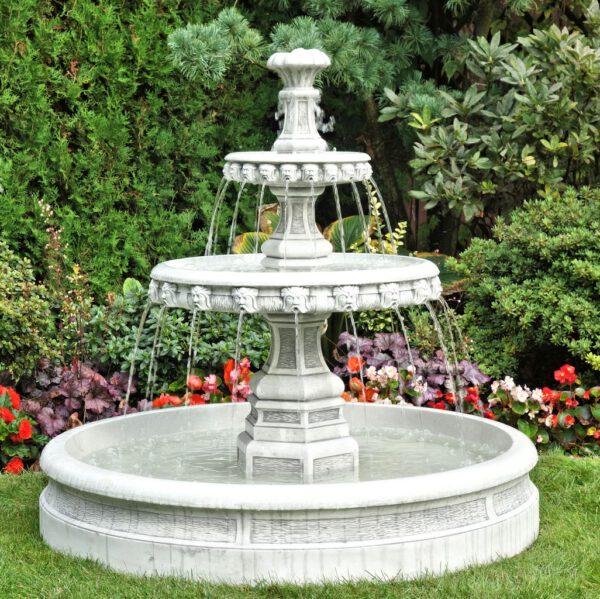 2 Schalen mit spritzenden Köpfen Brunnen