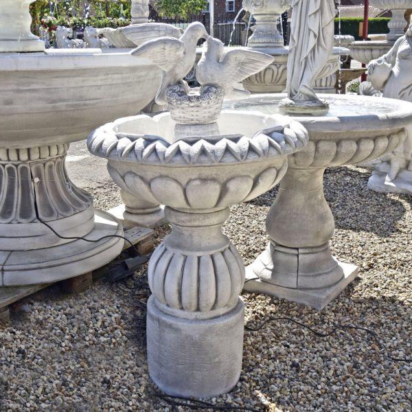 Duiven fontein