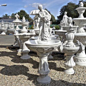 Vrouwtje met kruik fontein